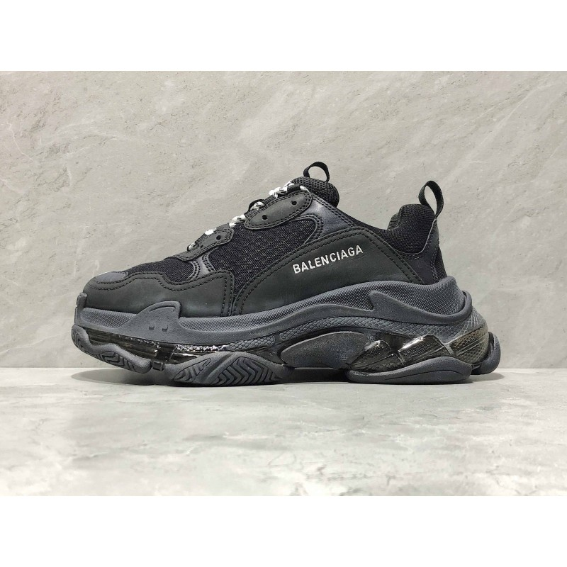 balenciaga triple s clear sole